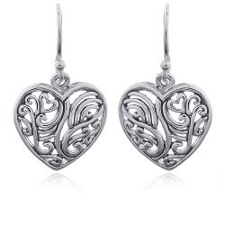 Eleganten Herz Ohrringe in Silber
