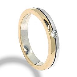 Ring aus oxidiertem Sterlingsilber mit 8 Karat Gold