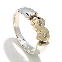 Herz Ring aus oxidiertem Sterlingsilber mit 8 Karat Gold